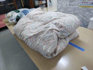 コインランドリーにて、羽毛布団と毛布を洗う